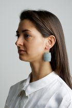 COLLECTION - A / STRUCTURE 3. / matt-basic / earring grey